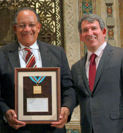 Dr. Richard Payne, recipient of the HealthCare Chaplaincy Network's Pioneer Medal, with Michael H. Schoen, HCCN's chairman.