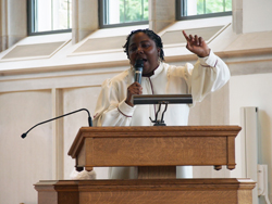 Raquel Gill, M.Div.'15, gave a sermon during orientation.