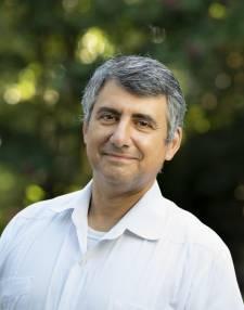 Peter Casarella headshot