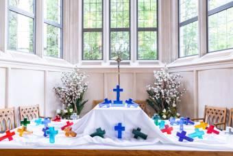 Senior cross service in Goodson Chapel